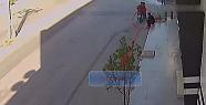 Kapkaç Olayı Güvenlik Kameralarına Böyle...