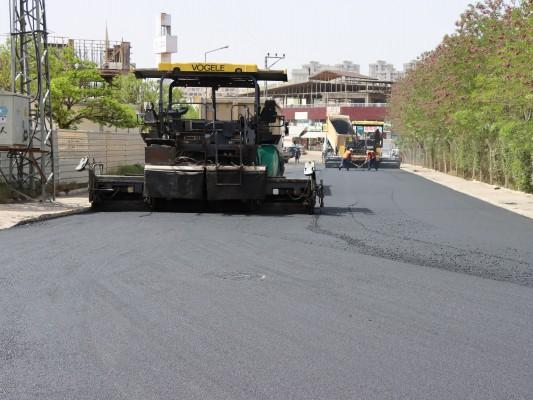 Şanlıurfa'da yollar asfaltla buluşuyor