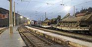 Sınıra Trenle Zırhlı Araç Sevkiyatı...