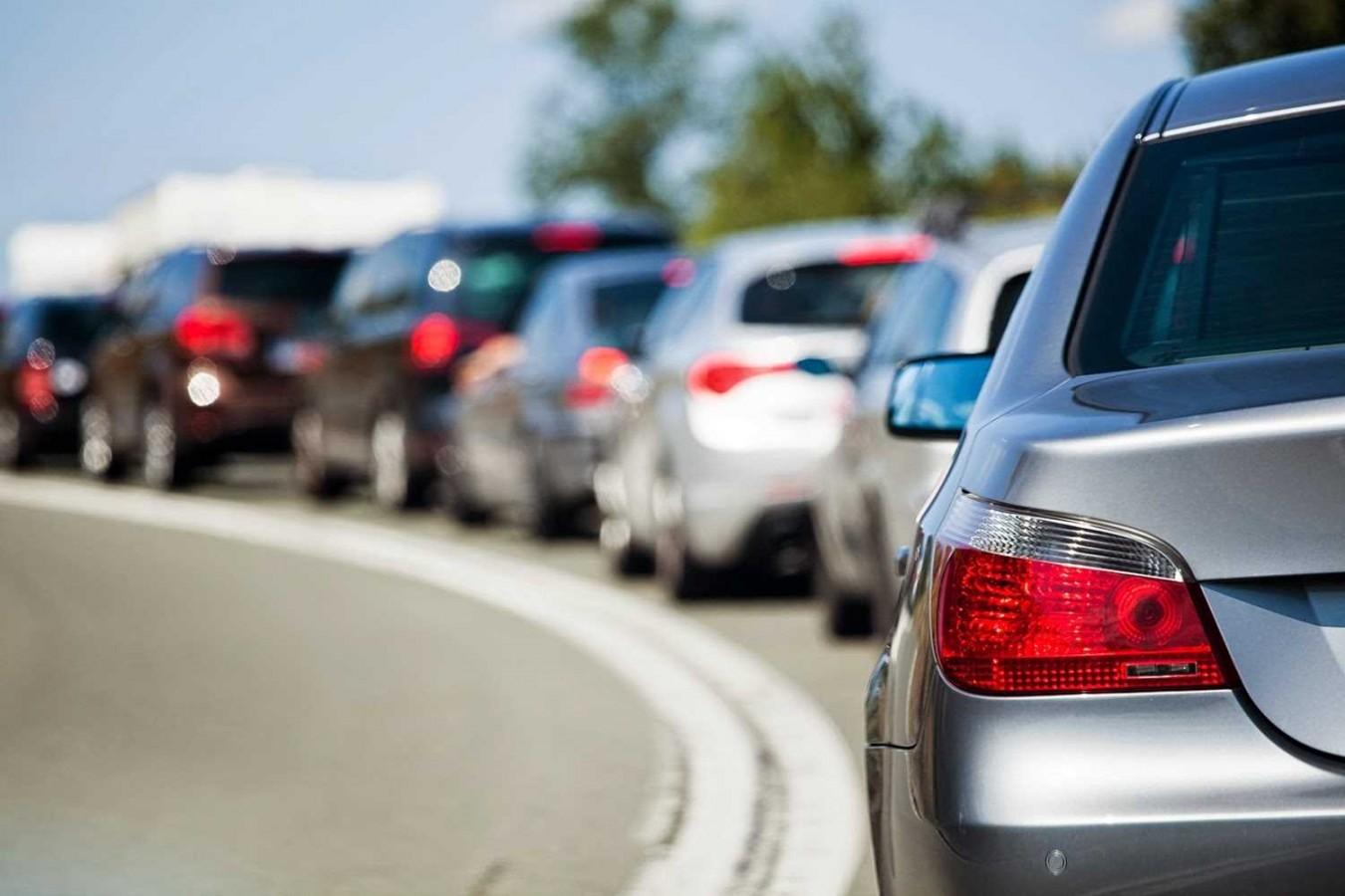 Ticaret Bakanlığı, düşmeyen sıfır araçlarla ilgili harekete geçti