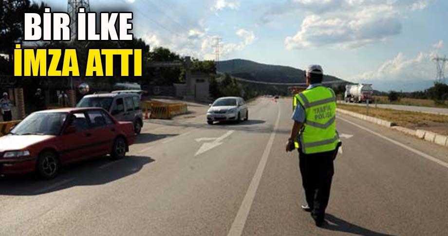 Trafik Polisi'nden ilginç uygulama!