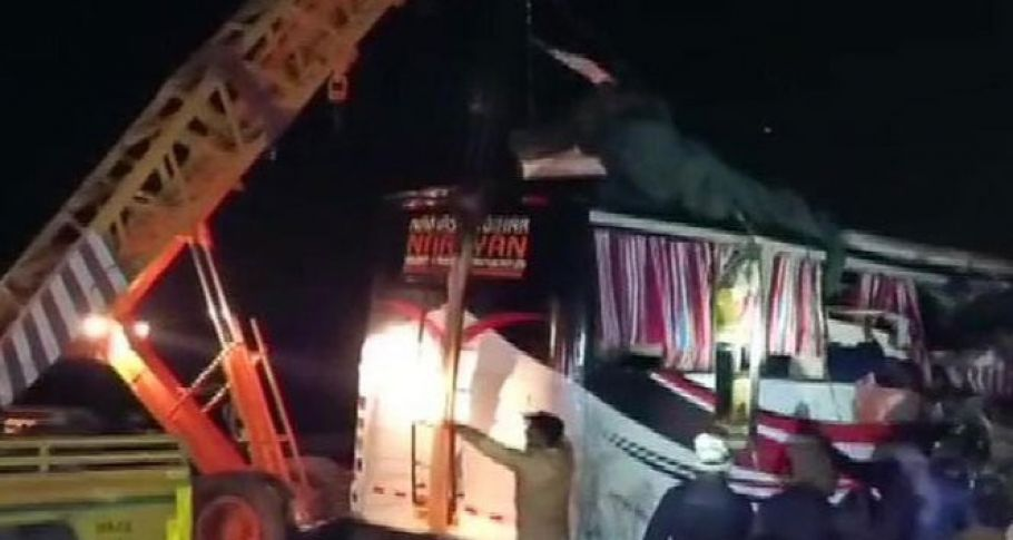Trajik kaza: 13 ölü, 30 yaralı