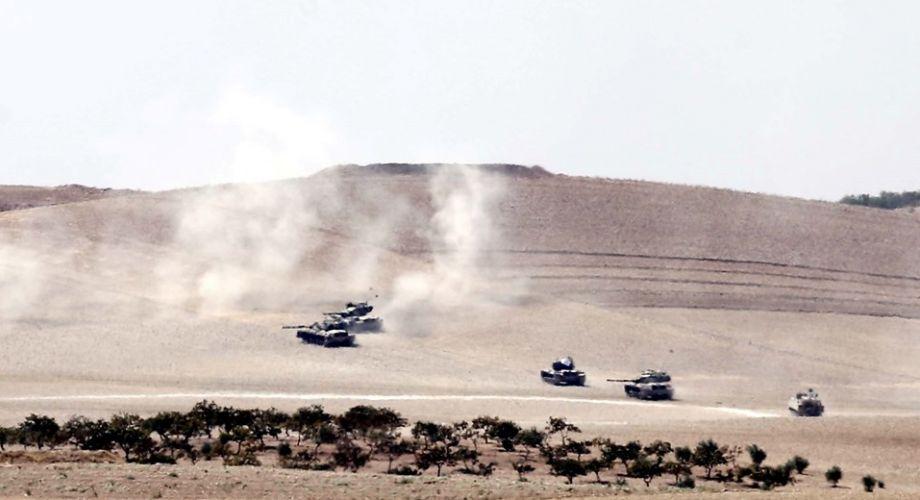 TSK: Cerablus'un batısında 1 tank vuruldu; 3 asker yaralandı