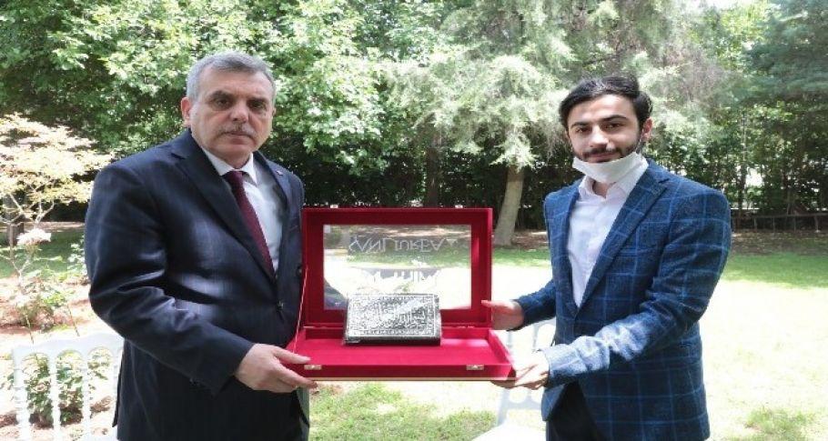 Türkiye birincisinden Beyazgül'e ziyaret