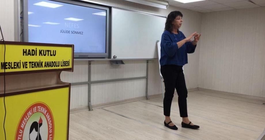 Ünlü spiker Viranşehir'de öğretmenlere seminer verdi