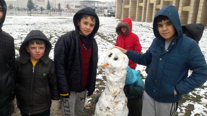 Şanlıurfa'da çocukların kar sevinci
