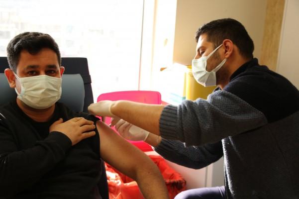Urfa'da korona aşısında ikinci aşama başlıyor