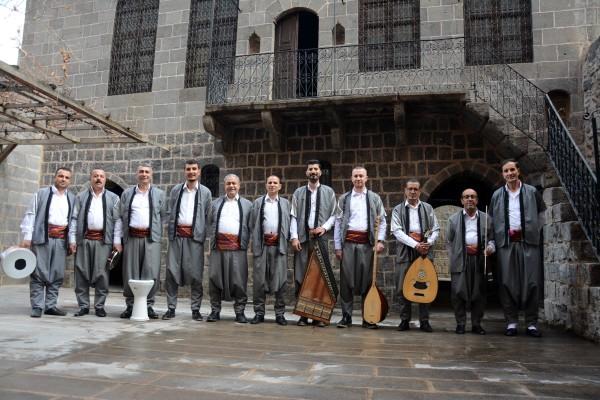 Urfa'nın ilçesinde sıra gecesi ekibi yeniden kuruldu