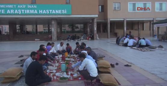 Urfa'da  'İmece usulü' iftar