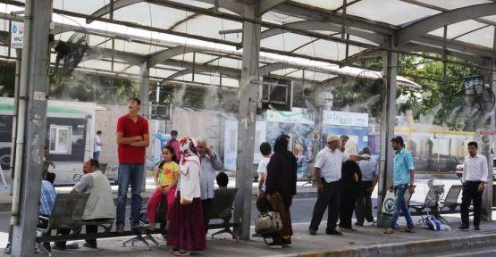 Urfa'da serinleten duraklar iş başında!