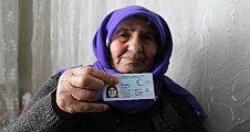 Yaşlı kadın 68 yıl sonra kimliğine kavuştu