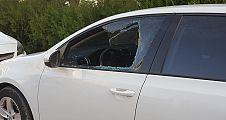 Şanlıurfa'da onlarca otomobilin camlarını kırdılar