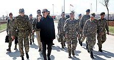 Bakan Akar ve komutanlar Suriye sınırının sıfır noktasında
