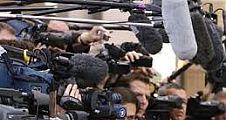 8 gazeteci gözaltında