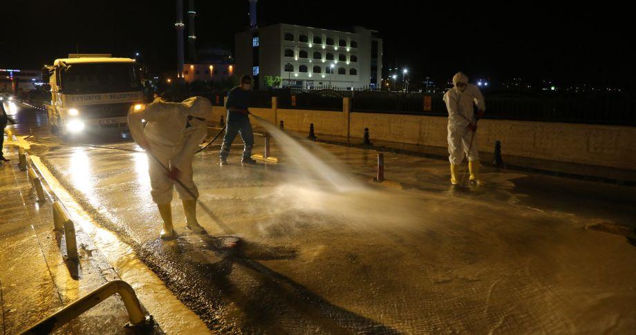 (videolu) Eyyübiye Belediyesi, salgınla mücadelesini aralıksız sürdürüyor.