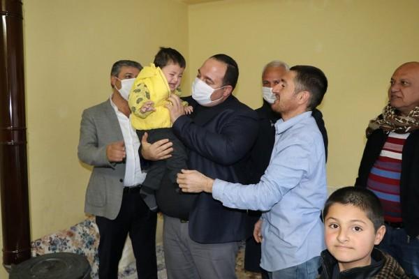 Başkan Ekinci'den ihtiyaç sahibi aileye yardım eli