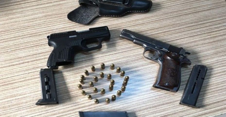 Viranşehir'de 2 adet ruhsatsız tabanca ele geçirildi