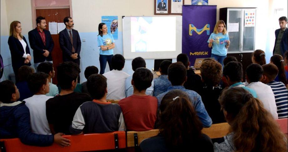 Viranşehir'de Ücretli öğretmenden örnek davranış...