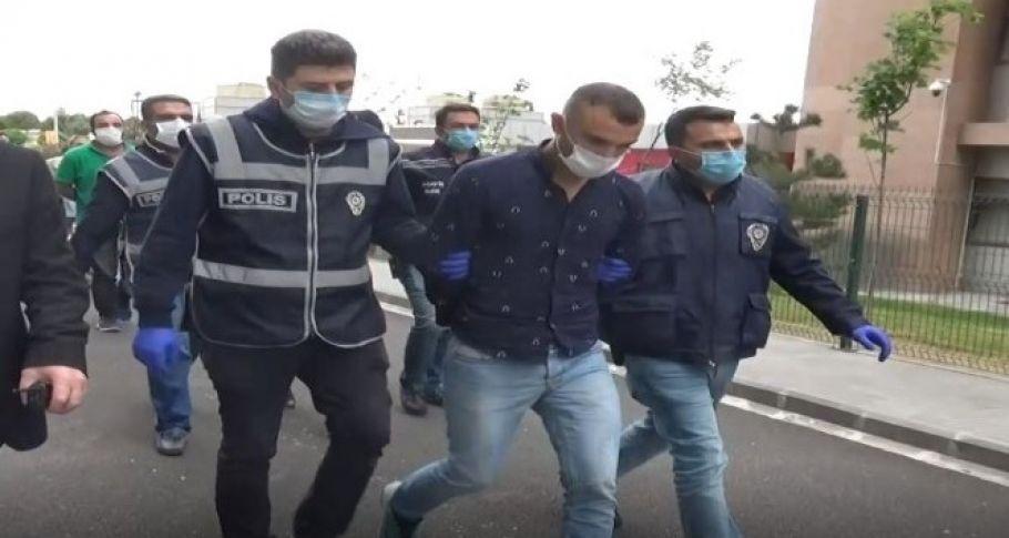 Yabancı uyruklu genci bıçakla gasp edip öldüren şahıslar tutuklandı