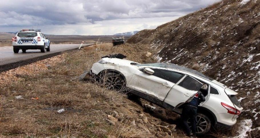 Yardıma koşan vatandaşa otomobil çarptı: 1 ölü, 5 yaralı