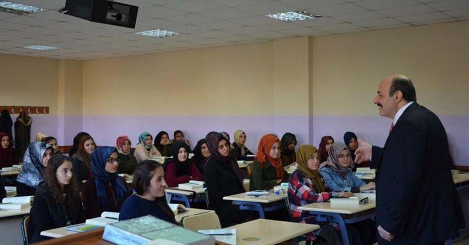 YÖK Başkanı Saraç, Harran Üniversitesinde ders verdi