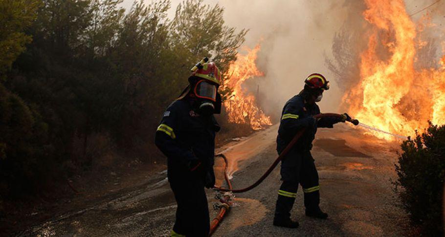 Yunanistan'daki yangında 54 kişi hayatını kaybetti